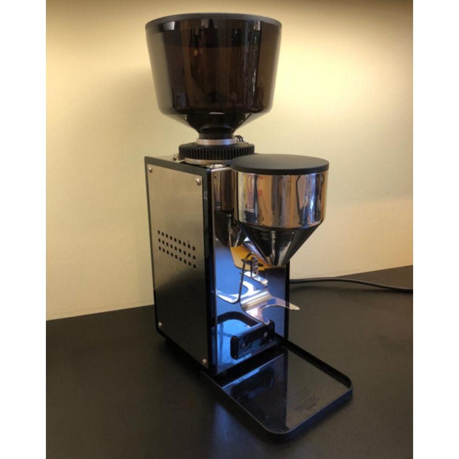 Râşniţă de cafea Profitec Pro T64 - Ocazie
