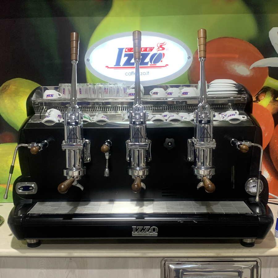 Macchina caffè professionale a leva Izzo, 2 gruppi Nero - Usato